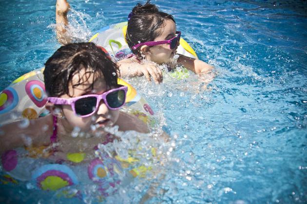游泳池水中充满粪便病菌,但成年人不必担心患病-玩懂手机网 - 玩懂手机第一手的手机资讯网(www.wdshouji.com)