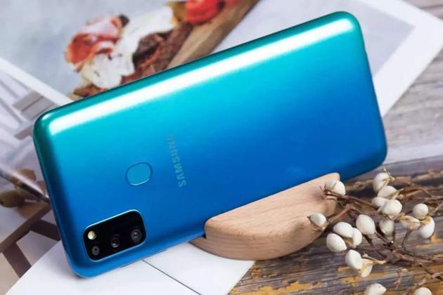 三星将部分手机机型外包给中国承包商,使其在中国市场站立脚跟