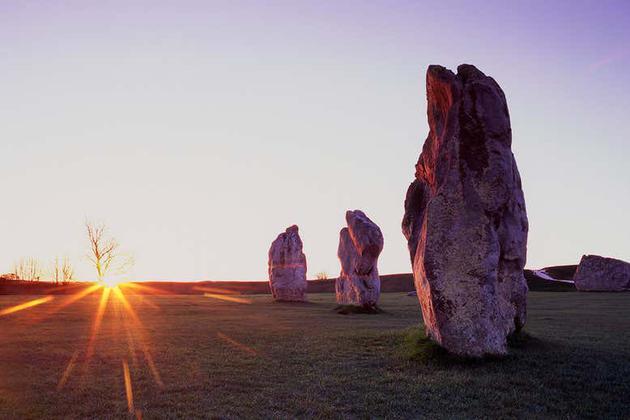 古代石柱的神秘排列:为何能与太阳排成一线?