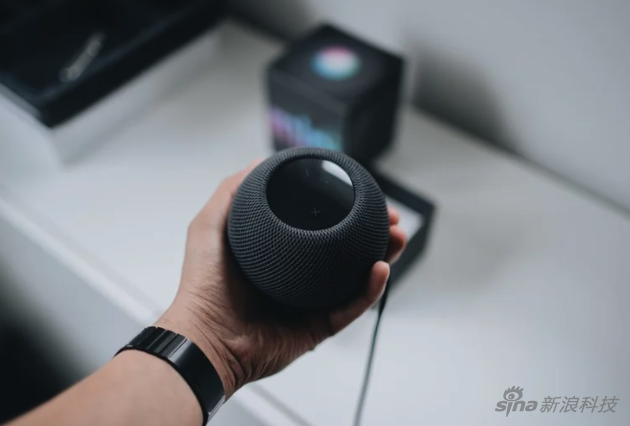 HomePod mini is really small