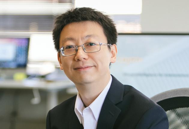 张哲第一份工作就是在微软研究机器人