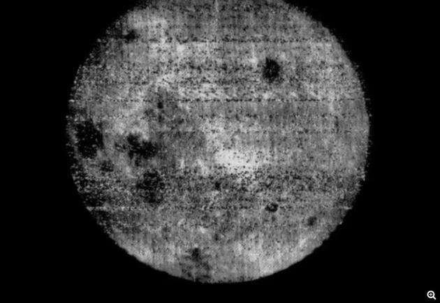 """月球的背面长啥样?""""月之暗面""""并不暗只是远"""