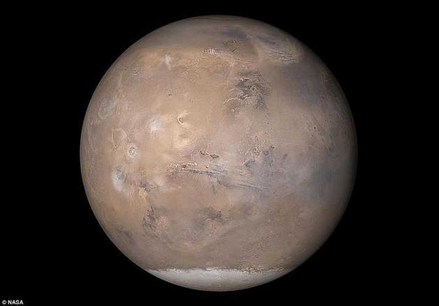 """作为NASA的""""元老级""""火星漫游车,机遇号已经被这场史无前例的沙尘暴围困了数周之久。"""