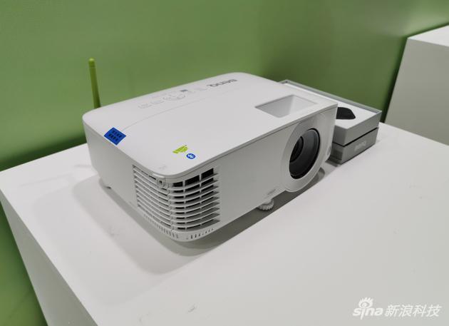 明基投影机新品发布:最高3500流明,1080P分辨率