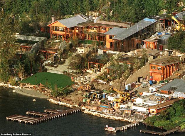 盖茨的家庭住宅包含30个车库和20个房间的主要起居区