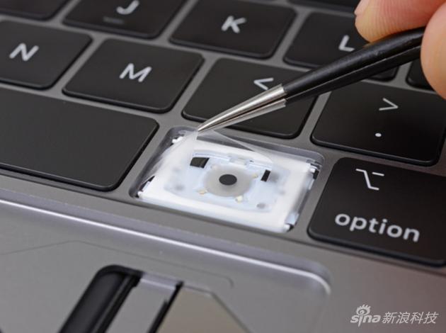 新MacBook Pro键盘的秘密:每个键下多了层硅胶模