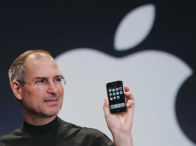 乔布斯和他的iPhone开启智能手机的新时代