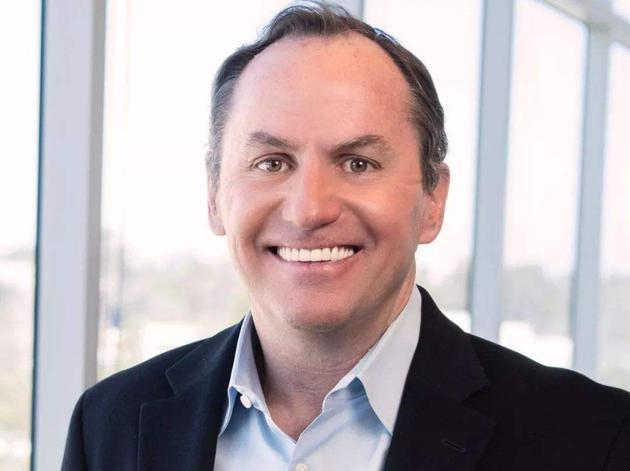 英特尔任命临时CEO Robert Swan为正式CEO
