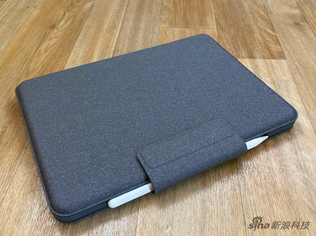 罗技 Folio Touch背面