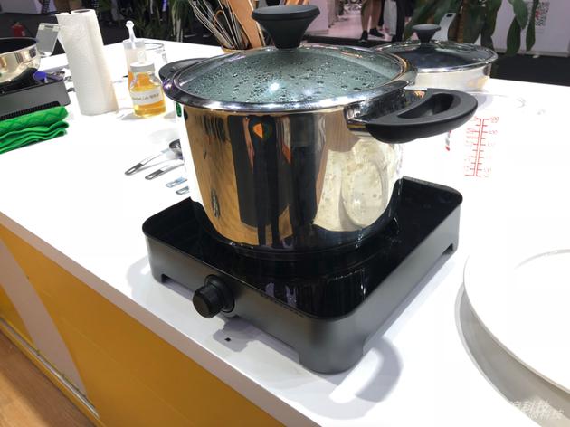 一款能还原大厨口味的AI烹饪平台