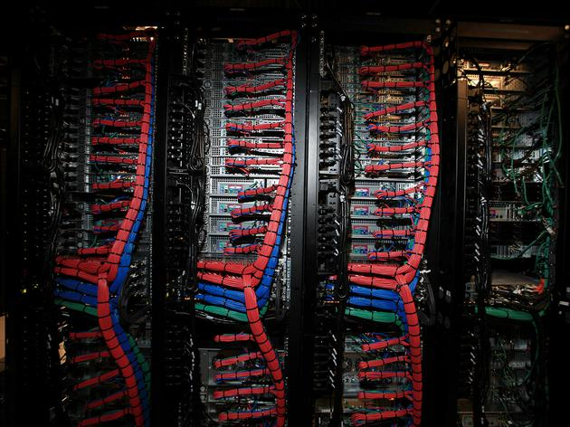 連續六年營收下降:IBM欲在云計算與對手交好扭轉頹勢