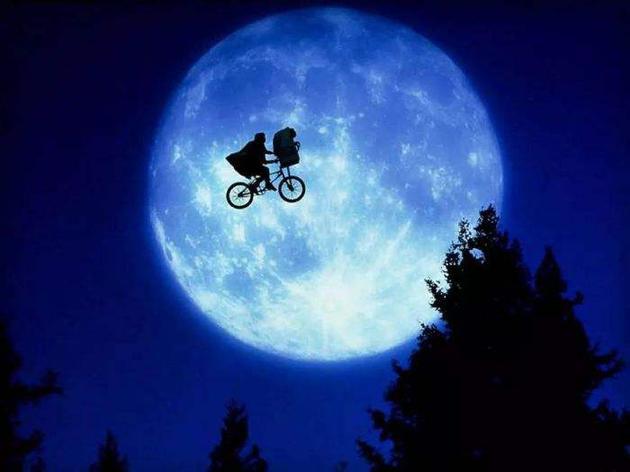 宇航员还是尽可能选择火箭发射登陆月球,从地球骑自行车所需的时间太漫长,而且需要考虑的因素很多,这一旅程并不容易