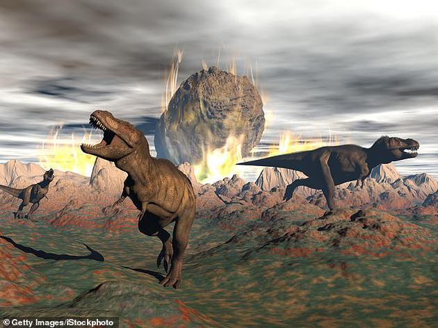 最新研究表明,6600万年前导致恐龙灭绝的小行星撞击地球灾难中,地球表面遍布野火、海啸,被巨大的硫磺云笼罩着。图中是艺术家描绘小行星碰撞地球当天的灾难场景。