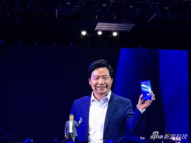 小米MIX Alpha概念手機亮相,環繞屏手機屏占比達到180.6%