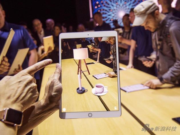 ARkit是苹果在2016年WWDC大会公布的开发平台