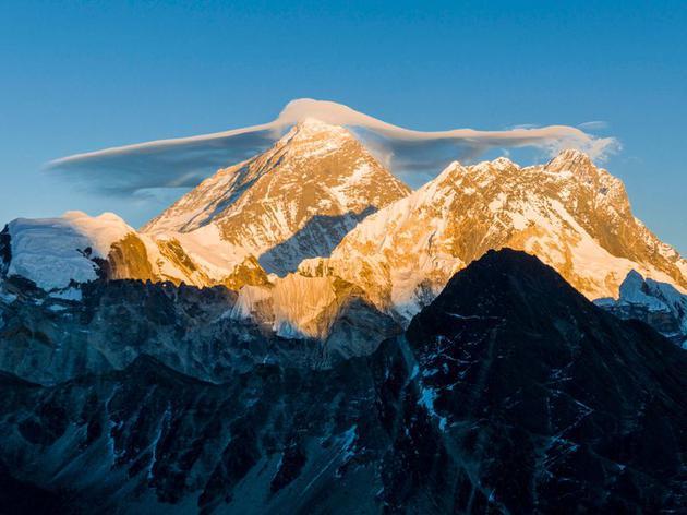 气候变化如何影响珠穆朗玛峰:氧气增多和冰川消融