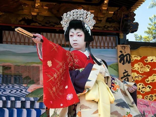 日本歌舞伎演员的扮相反映了一种长久以来流行于东亚地区的审美趋向,Photo credit: lensonjapan on Visual hunt / CC BY