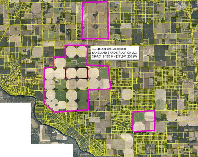据报道,2014年,盖茨以近2,800万美元的价格在佛罗里达州苏万尼县购买了4,500多英亩的土地