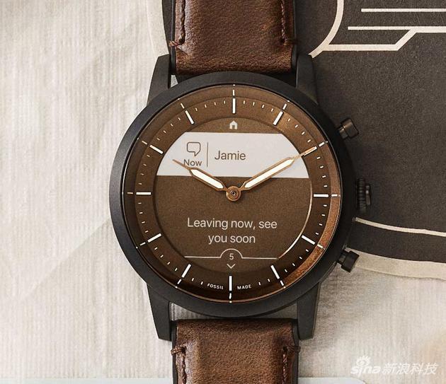Fossil HYBRID HR智能復合腕表:節能顯示屏幕+機械指針