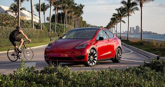 马斯克:Model Y或在明年成为全球最畅销汽车