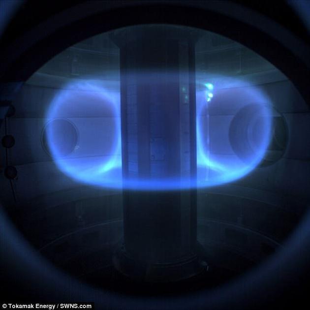 这座由英国托塔马克能源公司(Tokomak Energy)打造的托塔马克反应堆位于牛津郡。该公司希望能在2030年前在英国实现并网发电。图为反应堆中的高能气体,即等离子体。