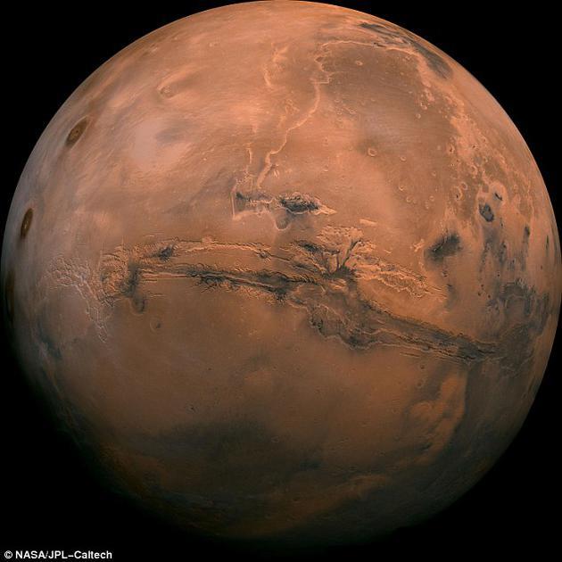 一项最新研究发现,足够的化学能量很可能流经火星地下区域,可使微生物种群存活下来,就像地球上的微生物。