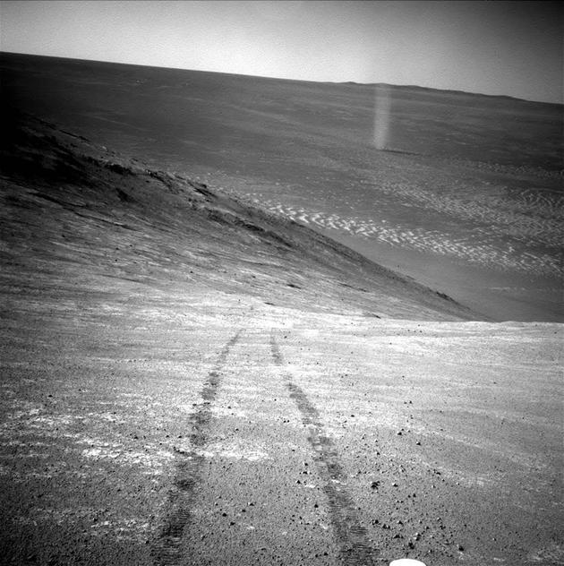 机遇号和勇气号向我们展示了火星的美丽。