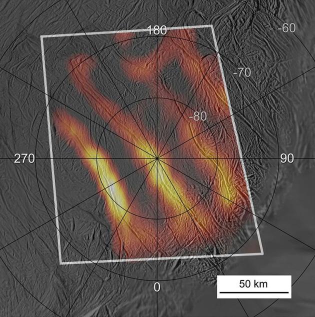 """2015年,卡西尼號的數據顯示,土衛二南極區域的""""虎紋狀""""地貌可能是溫熱點。"""