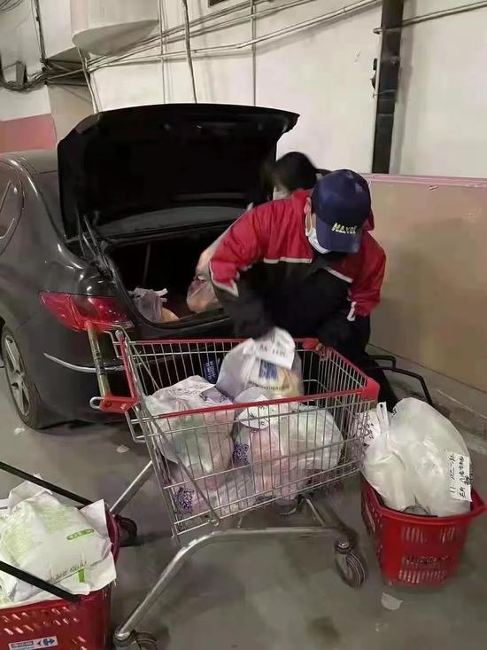 石家庄苏宁派送家笑福超市网上订单。