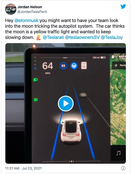 马斯克:我曾用一件 T 恤骗过我们家 Autopilot 系统