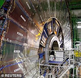 大型強子對撞機的緊湊渺子線圈