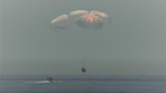 SpaceX龙飞船安全返回地球 完成NASA历史性任务