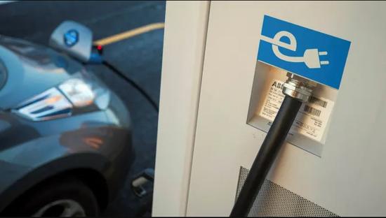 Uber将允许伦敦用户主动选择乘坐电动汽车