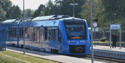 第一批试运营的两辆Coradia iLint列车。图源:明镜