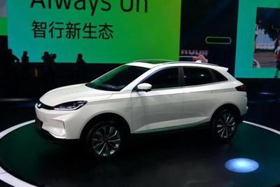 威马EX5纯电SUV售价公布:补贴后9.9万起 续航600公里