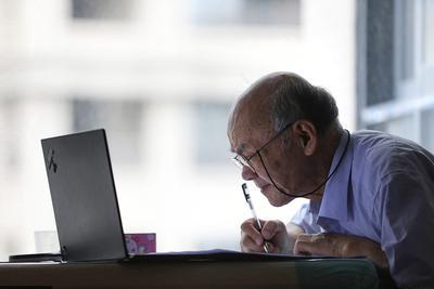日媒:不接触互联网,中国2亿老人面临出行和购物困难