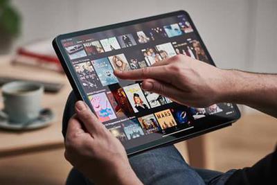 研究机构:美国电视用户26%的时间花在观看流媒体服务上