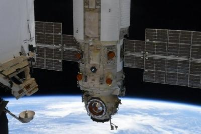 俄科学号实验舱故障异常导致国际空间站偏转45度