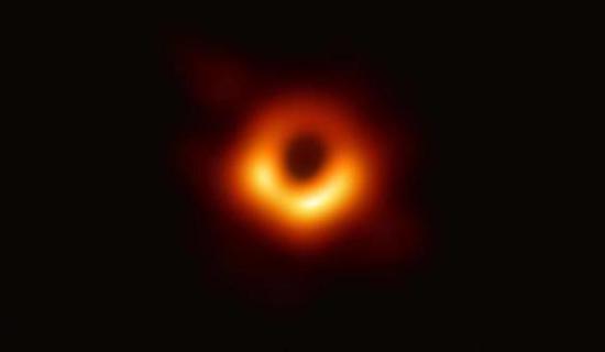 黑洞照片来源为事件视界望远镜合作项目
