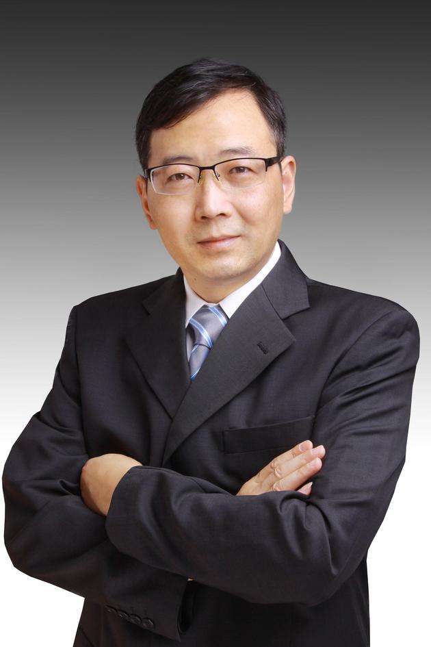 全国人大代表、上海财经大学公共经济与管理学院院长刘小兵。受访者供图