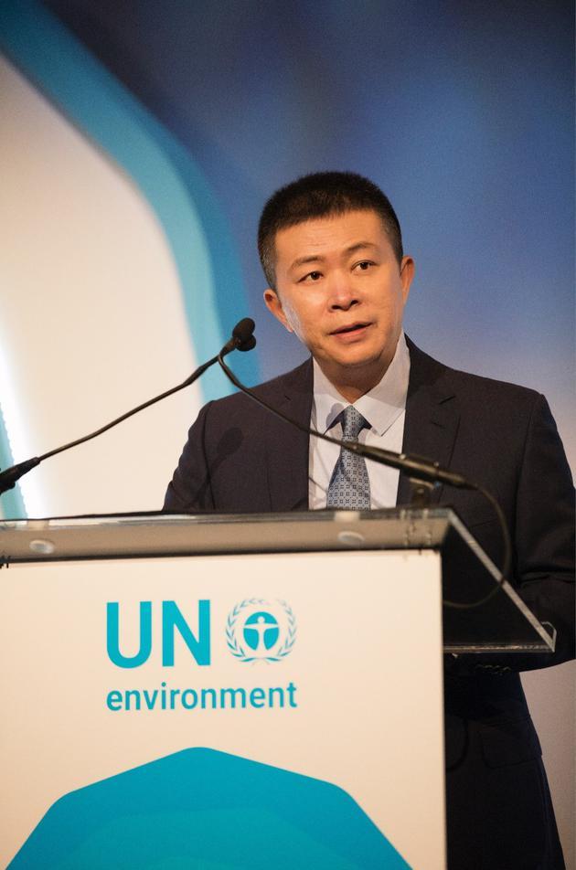 新浪董事长兼CEO、微博董事长曹国伟在颁奖典礼上致辞