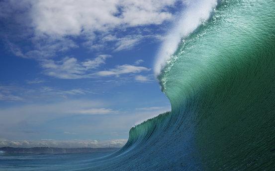 2018年5月在新西兰坎贝尔岛展现的重大海浪打破了南半球最大海浪的纪录。