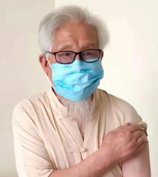 """耄耋老人响应号召,共筑免疫长城,双街镇按下疫苗接种""""快进键"""""""