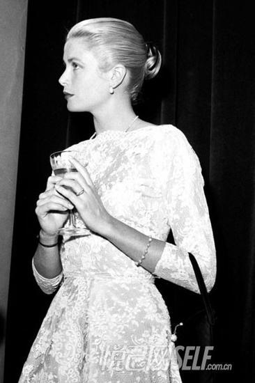摩纳哥王妃格蕾丝凯_摩洛哥王妃:格蕾丝-凯利时尚造型盘点 时尚传奇人物 摩纳哥 ...