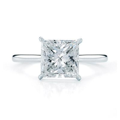 奢华精美的公主方钻订婚戒指 公主 方钻 订婚 新浪时尚 新浪网