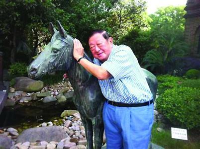 """怀旧金曲频道电台_《怀旧金曲》创始人之一去世 他是最正宗的""""老上海声音""""_新浪 ..."""