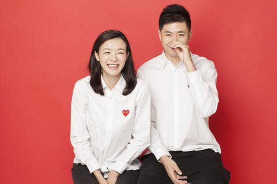 李艾与老公夫妻相十足