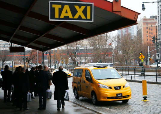 纽约出租车受打车软件冲击:牌照价格一年跌20%