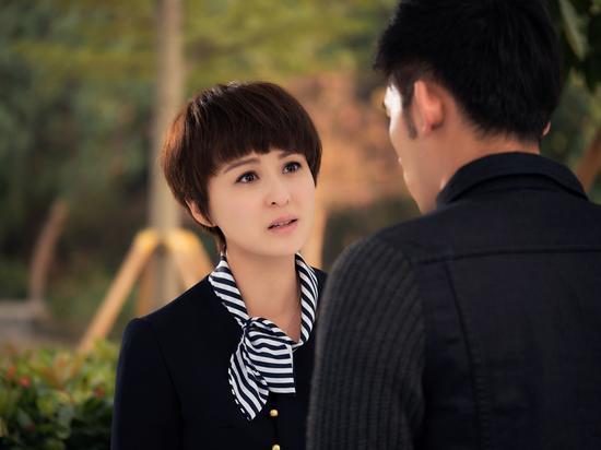 溫升豪,李廷鎮,蔡妍[微博]等人主演的電視劇《如果愛可以重來》已于3