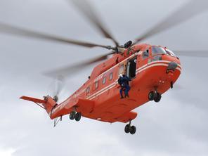 中航工業直升機演練地震應急救援